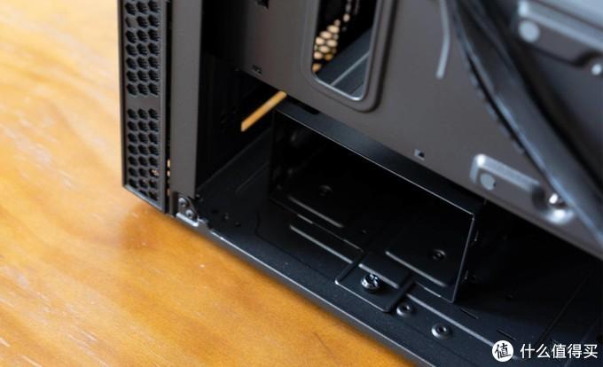 酷冷至尊MB400L智瞳机箱上手评测