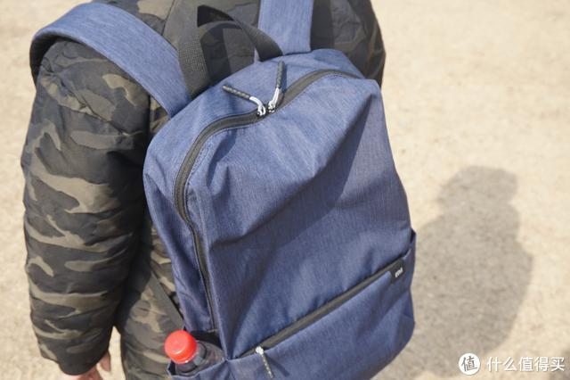 几乎和矿泉水一个价格的背包,也只有小米品牌可以做的出来