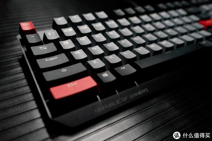 持久耐用不打油,体验ROG玩家国度游侠PBT版电竞机械键盘
