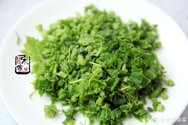 天气干燥,这菜是个宝,常吃润喉又温肺,有条件一定要尝尝看