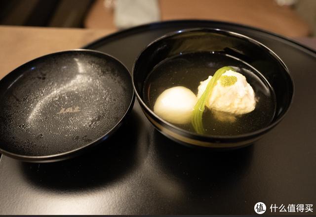 金樽清酒,玉盘珍馐!日本航司的头等舱把米其林餐厅搬到了天上!