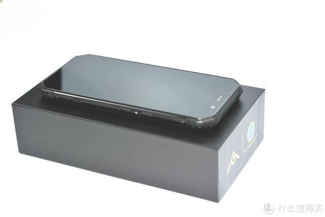 老人不易,带你了解一台不一样的老人手机,AGM H1定制版