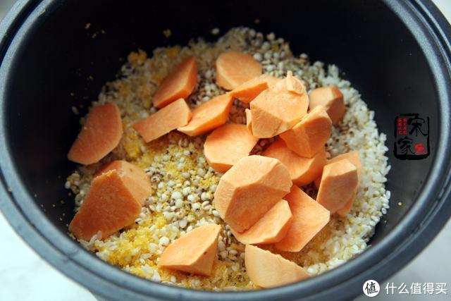 孩子挑食?1个地瓜、1勺玉米再加4种米,这碗粗粮饭孩子特喜欢吃