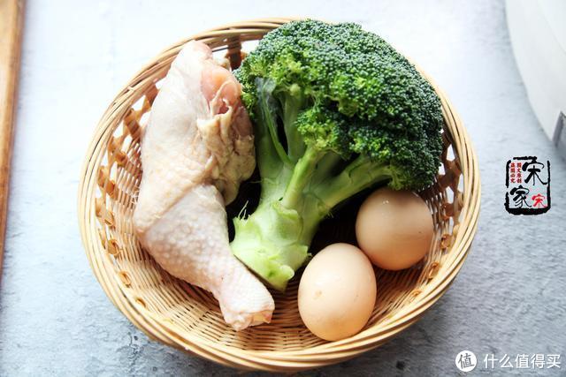 这鸡肉拌饭,我家1周得吃5次,学会这碗料汁配法,你也能吃个痛快