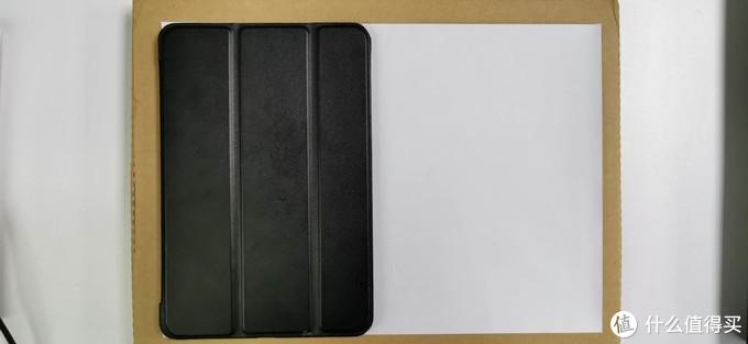 ipad mini5竖放与A4纸比较
