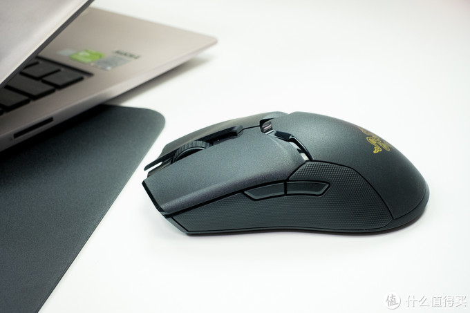 把线剪掉,无线电竞游戏鼠标就该这样子:雷蛇毒蝰终极版鼠标