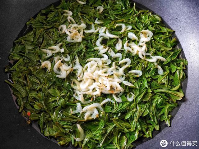 清明前后,这野菜要抓紧吃,简单一煮,清香回甘,错过就要等明年