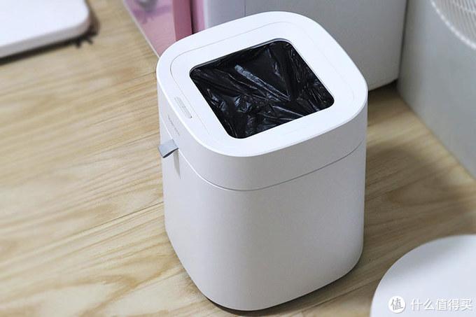 家居垃圾一招鲜,打包换袋10秒完成,拓牛T Air智能垃圾桶体验