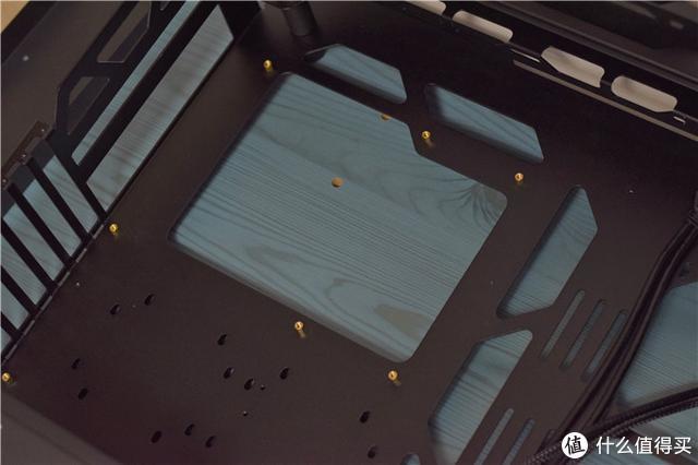 售价近2000,骨伽开拓者机箱怎么样,一起看看实际使用体验