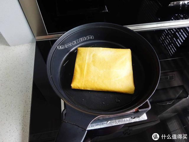 东北朋友教我做的煎饼盒子,外皮酥脆内馅儿鲜嫩,从做到吃十分钟
