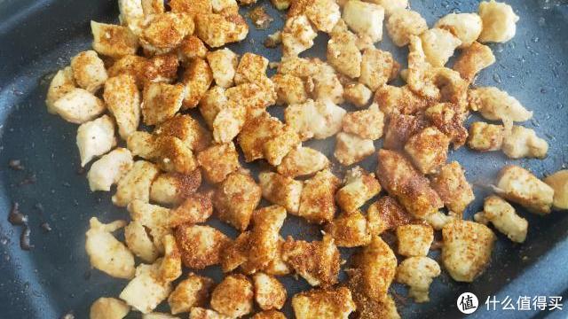鸡胸肉最过瘾的做法,不炸也不炖,比烧烤还好吃,吃多了也不怕胖
