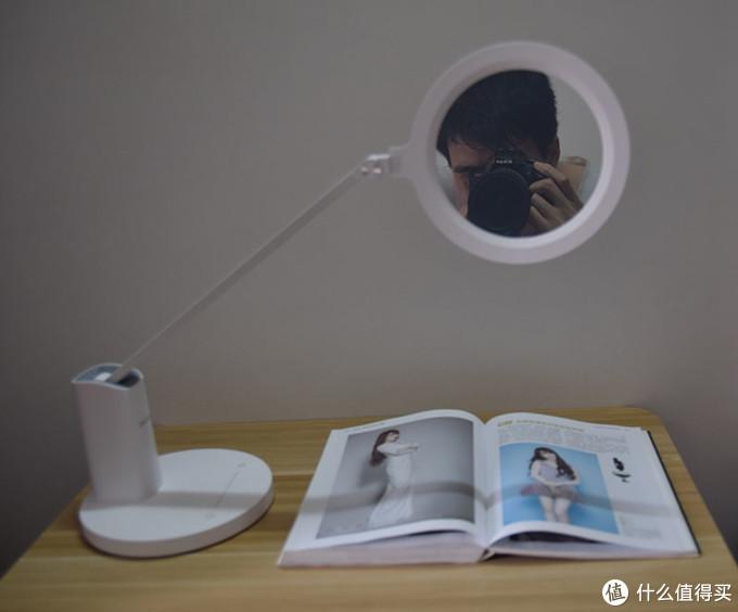 达伦护眼台灯上手:没频闪,阅读不伤眼,华为hilink智能产品爽吗?