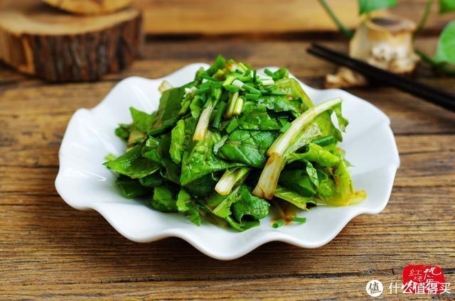 小白菜这样吃真的口感超级棒,它含钙量高,常吃还能促进骨骼发育