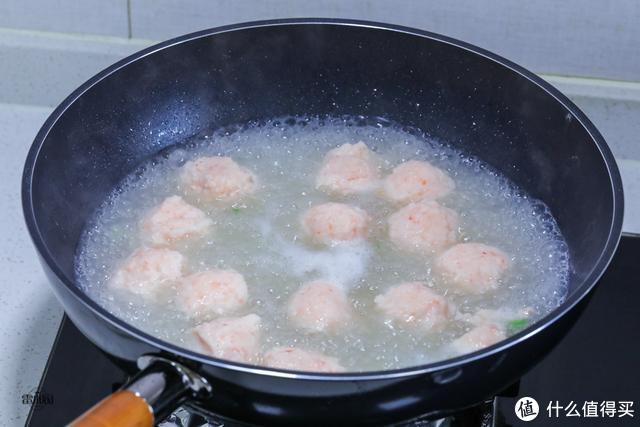 进入春天,不吃肉也要吃这丸子汤,高蛋白高营养,孩子长个正需要