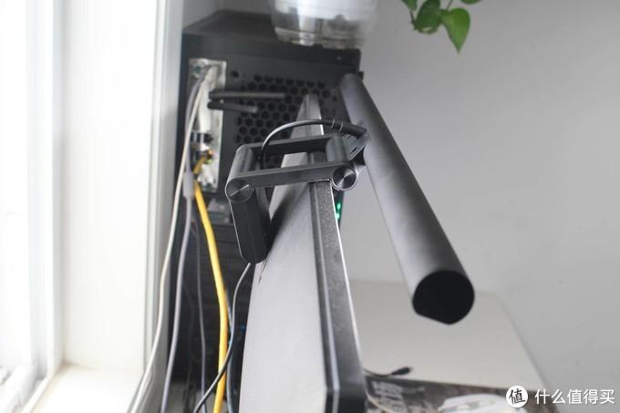 垃圾佬也想要高大上桌面,先给显示器来个灯吧