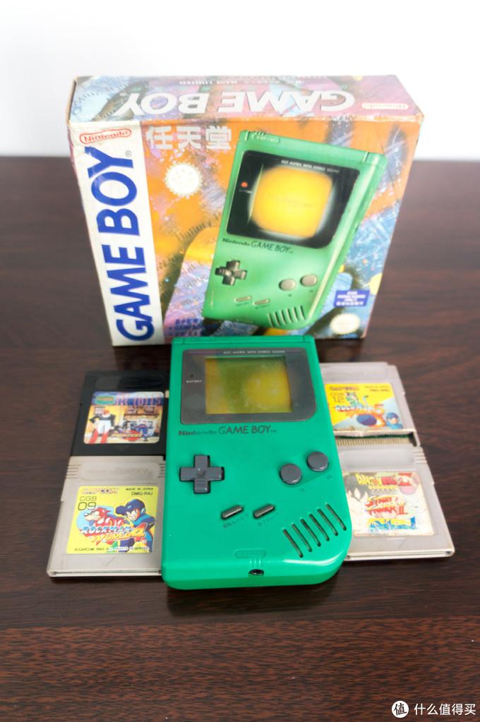 Game Boy是任天堂公司在1989年发售的第一代便携式游戏机。