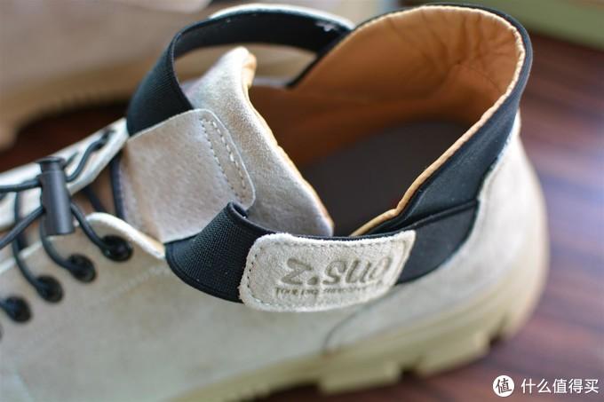 一款既能平常穿,也适合户外远足的户外工装鞋