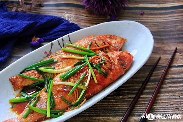 煎鱼时,牢记这3点,保证煎好的鱼不破皮,不粘锅,又香又好吃