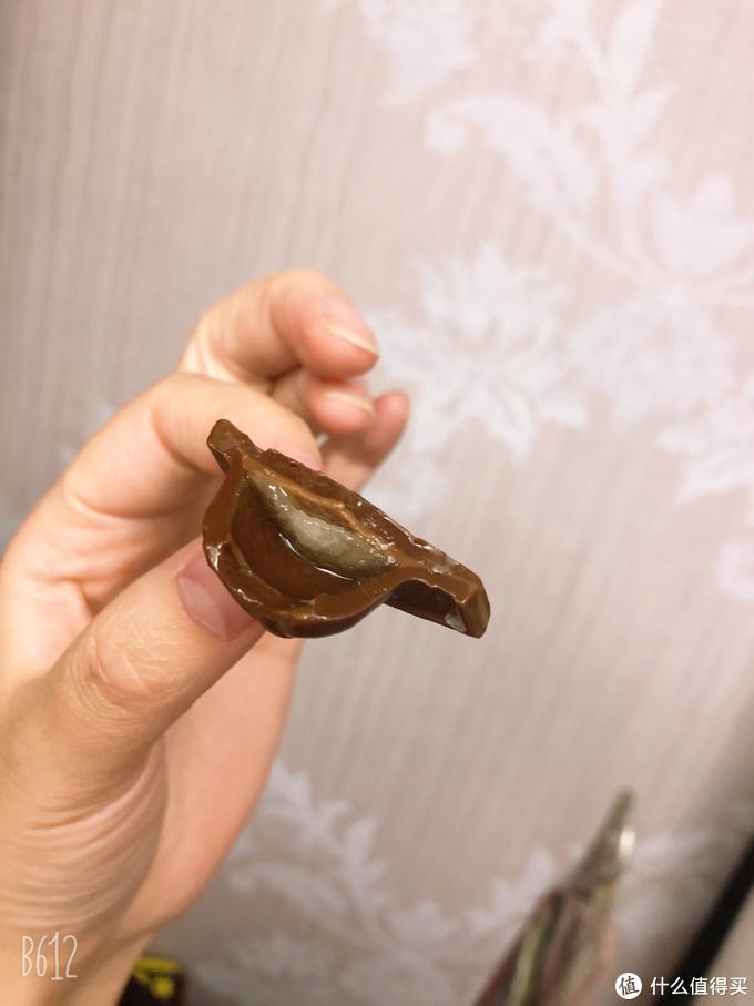 饕餮美味零食到底香不香?の上海浦东机场日上免税酒心巧克力品尝体验