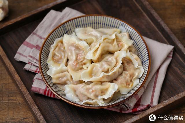 清明节习俗各不同,我们这里吃饺子,寓意平安幸福,传统规矩别丢