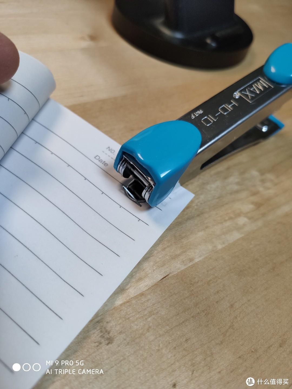它来自霓虹国,样貌平平却上手大爱的美克司(MAX)迷你订书器HD-10