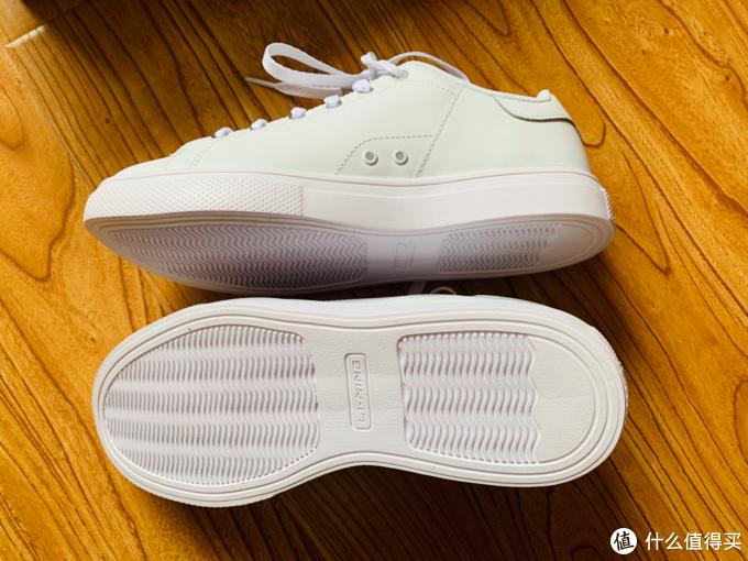 69元的李宁国潮松烟墨超轻小白鞋,真香!