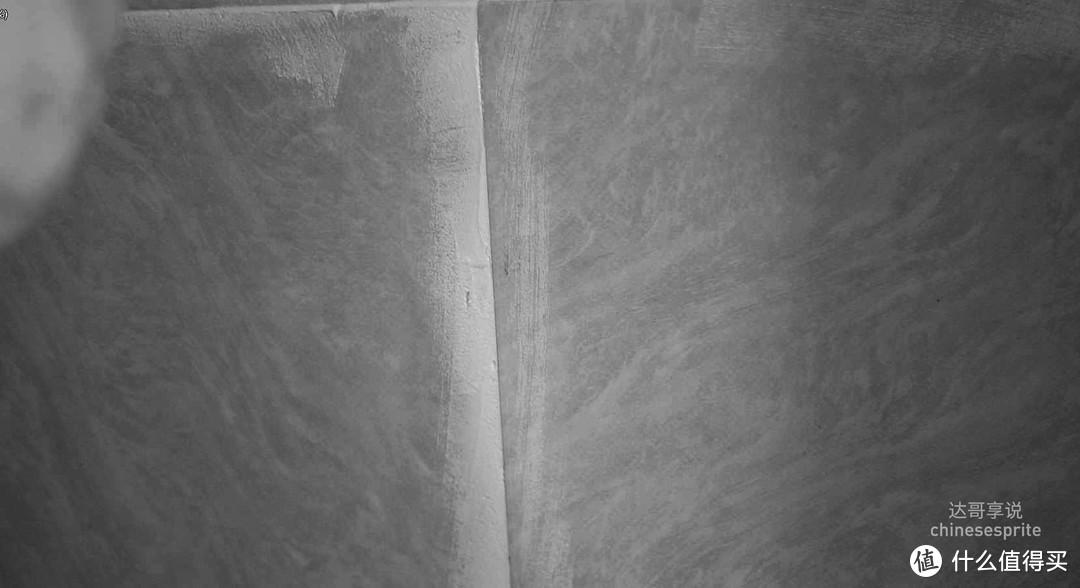 小窍门:填几下,刮一下砖上多余的料,1.不浪费料,2.后面擦洗也省力。