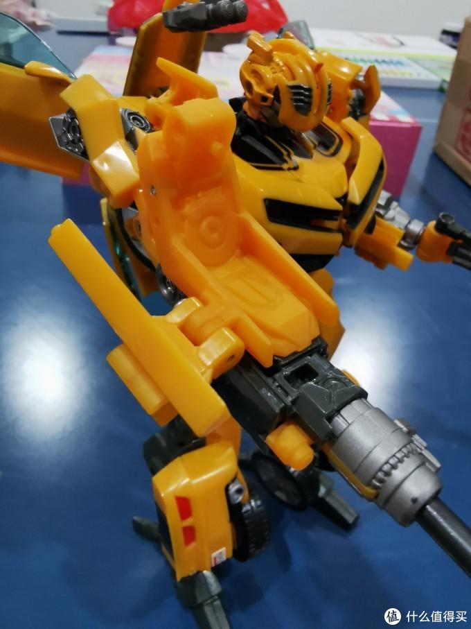 变形金刚把玩第十二弹—电影2联盟级大黄蜂