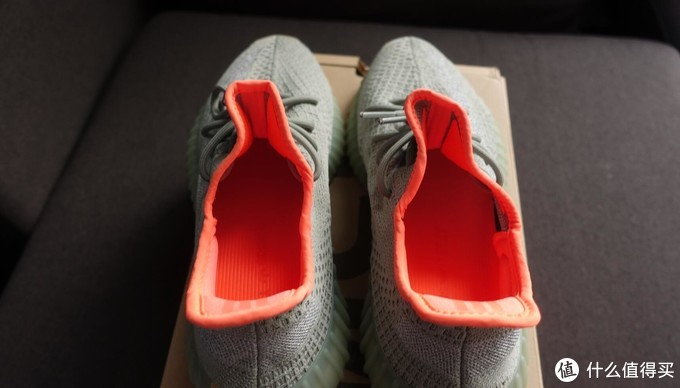 Adidas Yeezy 350 V2 Desert Sage 侧透满天星开箱测评真假对比