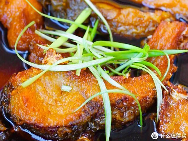 草鱼这样做,酥香爆汁,超级好吃,自己也可以做出经典的苏式熏鱼