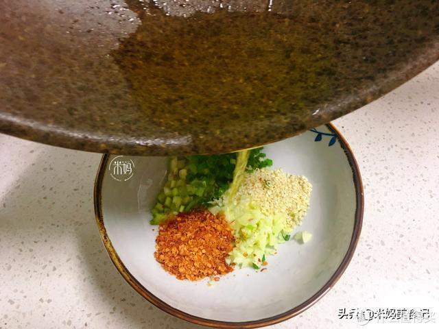 老公最馋这碗面,拌一盘光一盘,盘子都舔干净,5分钟搞定