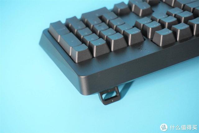 机械键盘轴体你最爱谁?ikbc新品键盘评测:我爱红轴,不解释!