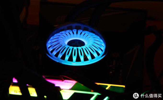 比我想象中更加深邃和绚丽,意外实测乔思伯水母240水冷散热器