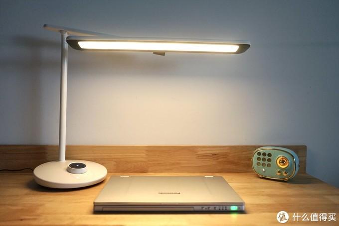 硬核护眼,从灯开始:飞利浦轩泰LED护眼台灯
