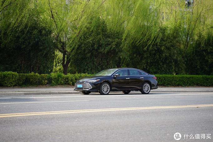 评车场No.87:操控和舒适的平衡之道 试丰田亚洲龙双擎