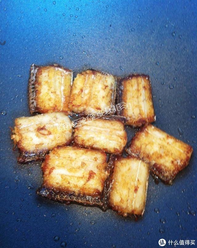 今天听朋友们的建议做了一次红烧鱼,不放花椒大料也可以很美味呀