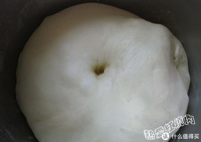 喜欢椰香的朋友试试这款面包吧!真的是香味扑鼻,在楼道都能闻到