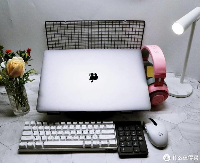 要想工作效率高装备少不了-宅家桌面日记