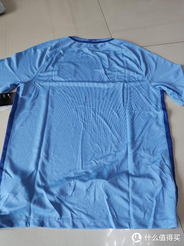 98元两件让我成为苏宁铁粉的耐克T恤开箱