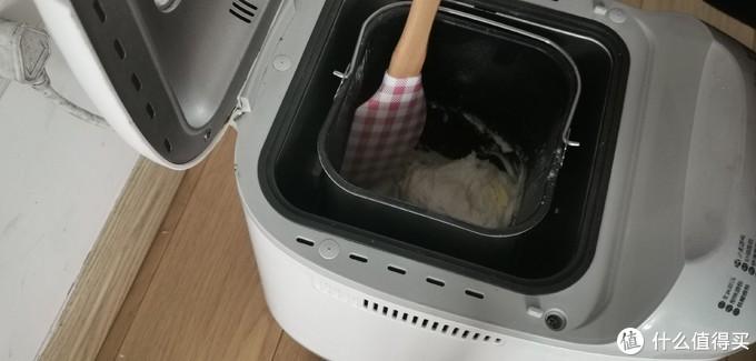 让面包机不再闲置!详解面包机揉面+烘烤,轻松做出超香浓柔软的北海道吐司