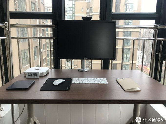 一根线的极简书桌——宜家伊朵森
