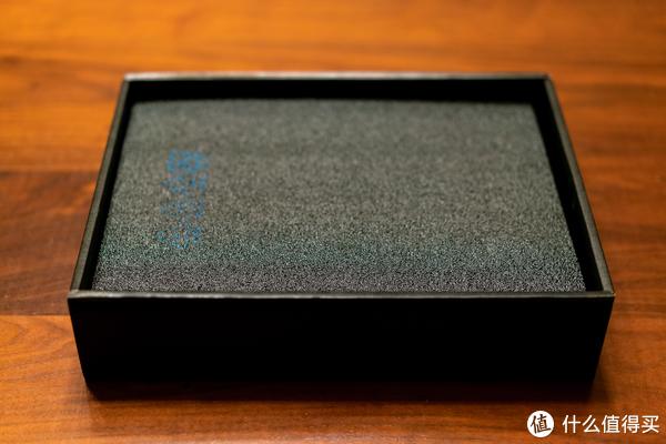 附件盒下面有珍珠泡沫棉保护