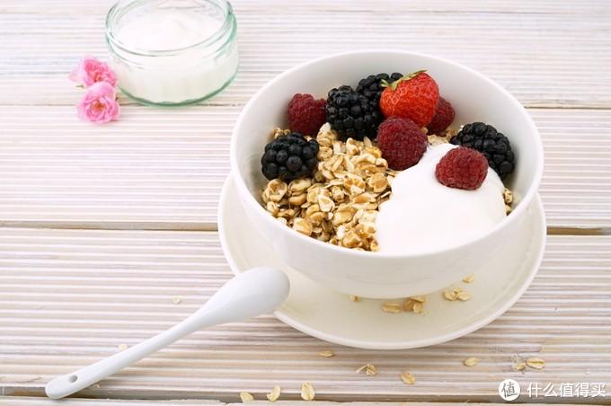 真香:发酵乳、复原乳、益生元…你买的酸奶究竟是啥?