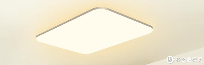 光璨的RGB灯调成主灯颜色用来补光天花板暗处
