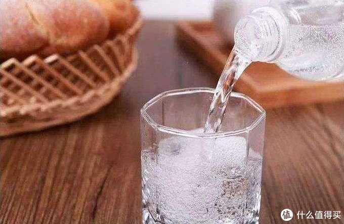 横评告诉你17款苏打水、气泡水哪个更好喝~