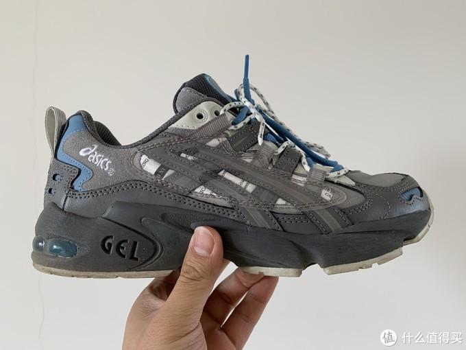 自穿的化学制品联名KAYANO 5 OG,脚感没得挑。