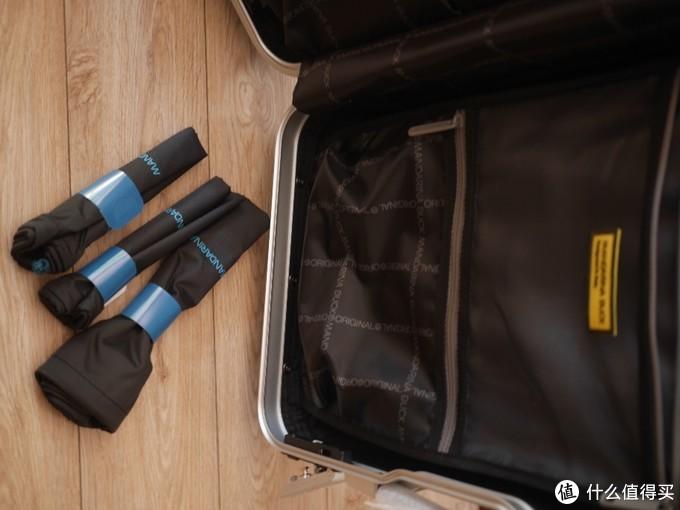 尼龙袋尺寸不一,放置拖鞋,换下的衣物超级好用。