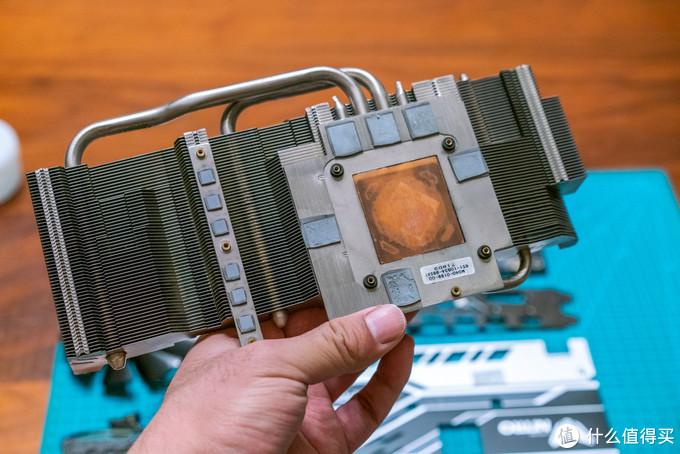 散热器上的硅脂、硅胶垫都要拆掉更换