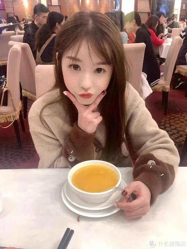 小姐姐最喜欢喝杨枝甘露