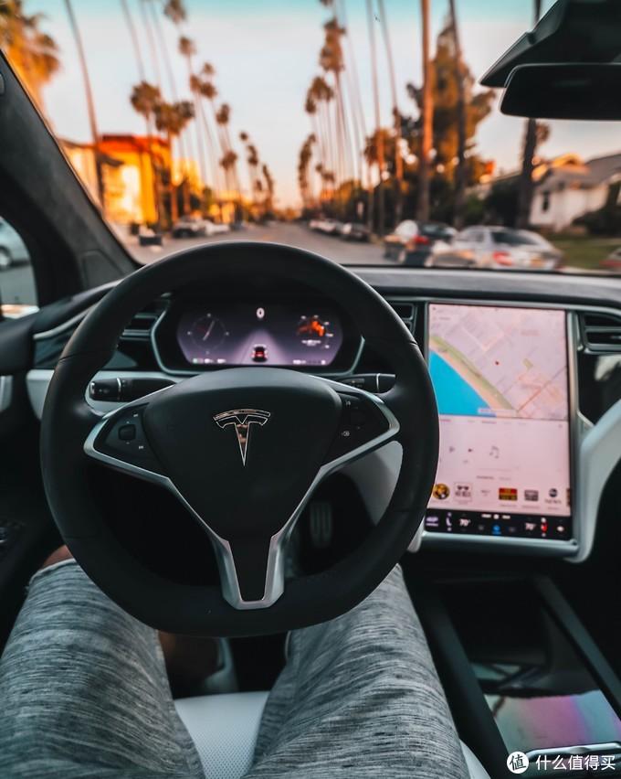 第一代真正的智能汽车会不会是tesla?无与伦比的自由